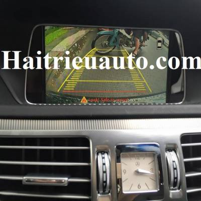 Lắp camera lùi cho Mercedes Benz E200 2015
