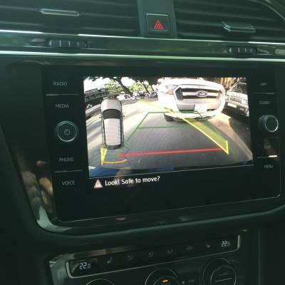Camera lùi theo xe Volkswagen