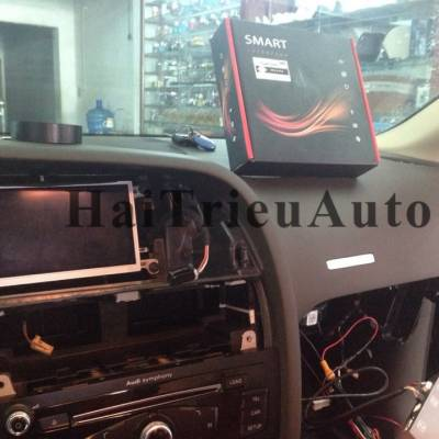 Lắp camera lùi cho xe Audi A4 A5