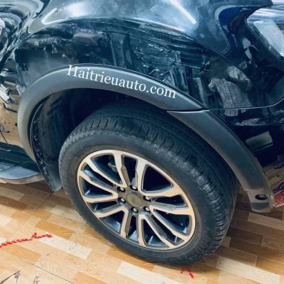 Ốp cua lốp loại nhỏ xe Ford Everest