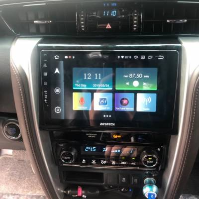 màn hình android Zestech theo xe fortuner
