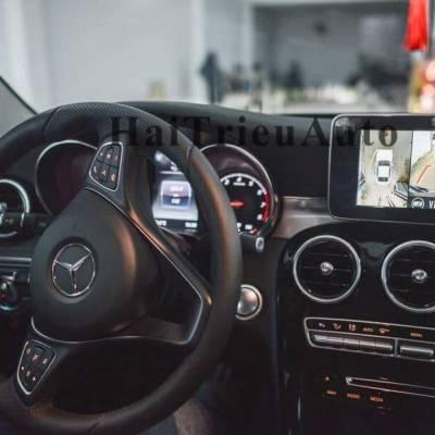 Lắp camera lùi cho xe Mercedes