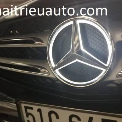 Logo đèn led theo xe Mercedes