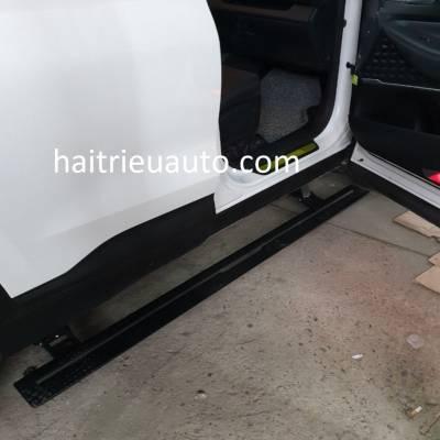 bể bước điện theo xe Hyundai Santafe 2019