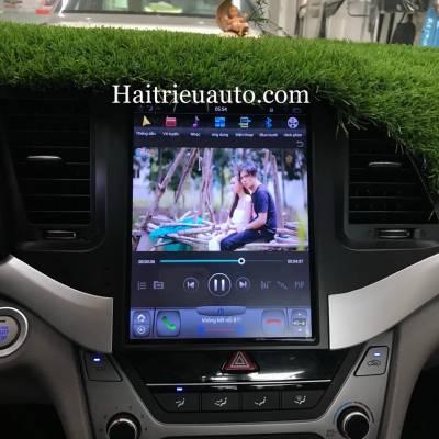 màn hình tesla theo xe Hyundai Elantra