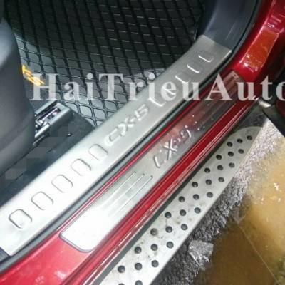 Nẹp bước chân chống trầy xe MAZDA CX5