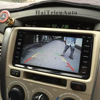Lắp camera lùi cho xe innova