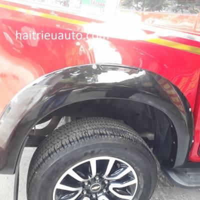 ốp cua  lốp mẫu mới cho xe colorado 2018