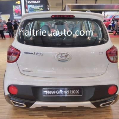 ốp chia đôi pô Hyundai I10 2017