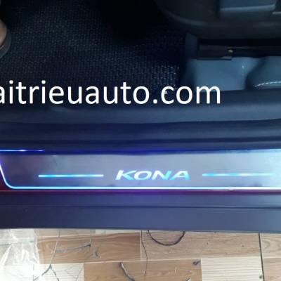 nẹp bước chân đèn led xe Hyundai Kona