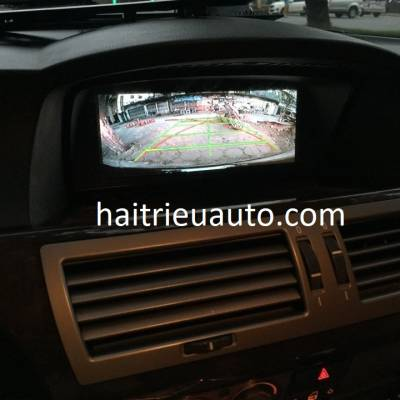 Lắp camera lùi cho xe BMW 750