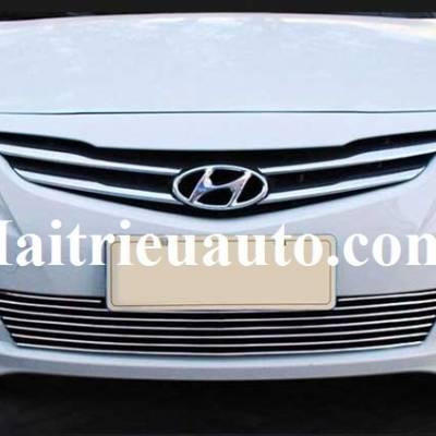 Mặt ca lăng kẻ ngang cho Hyundai Verna