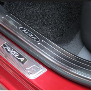 Nẹp bước chân Mazda 3