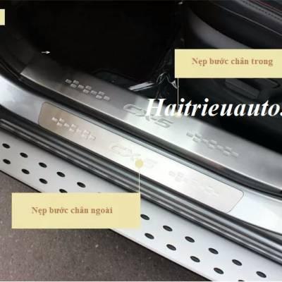 Nẹp bước chân trong Mazda CX5