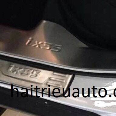 nẹp bước chân trong xe hyundai tucson 2010