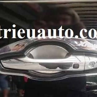 chén cửa Mitsubishi Xpander