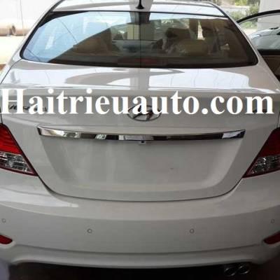 Ốp tay mở cốp sau cho Hyundai Verna