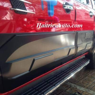 Ốp hông Ford Ranger 2017