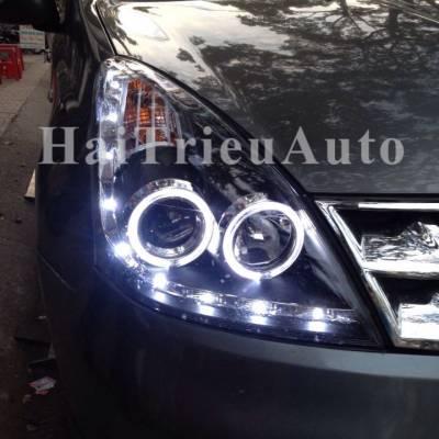 Đèn pha độ cho xe nissan LIVINA