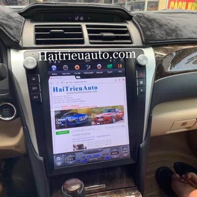 màn hình tesla theo xe camry