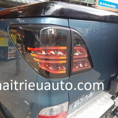 bộ đèn hậu nguyên bộ xe mazda BT50 2018