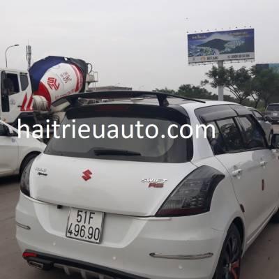 đuôi gió thể thao cho xe Swift