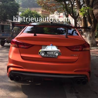 đuôi gió thê thao mẫu cao xe Hyundai Elantra