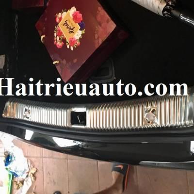 Chống trầy cốp Mercedes E200