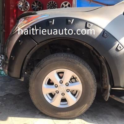ốp cua lốp cho xe Mazda BT50