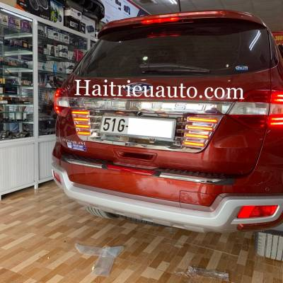 Chống trầy cốp xe Ford Everest