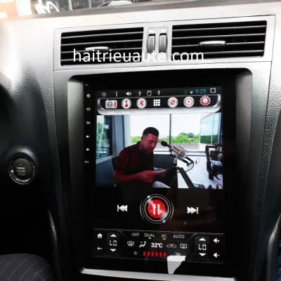 màn hình tesla theo xe lexus GS350