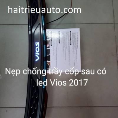 nẹp chống trầy cốp có đèn led xe vios 2018
