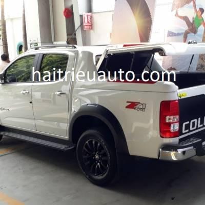 nắp thùng thấp mở  90 độ xe colorado 2018