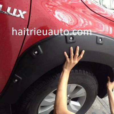 ốp cua lốp cho xe Hilux 2018