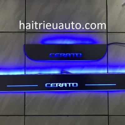 nẹp bước chân đèn led cho xe Cerato