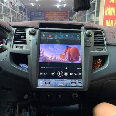 màn hình tesla android xe fortuner