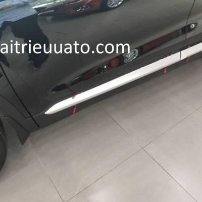 ốp hông xe Hyundai Santafe 2019