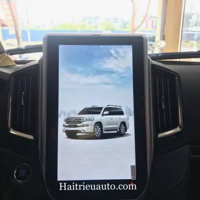 Màn hình tesla theo xe Toyota Land Cruiser