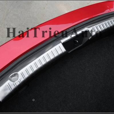 Chống trầy cốp trong Mazda 3