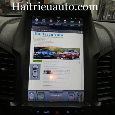 màn hình tesla theo xe ford Ranger