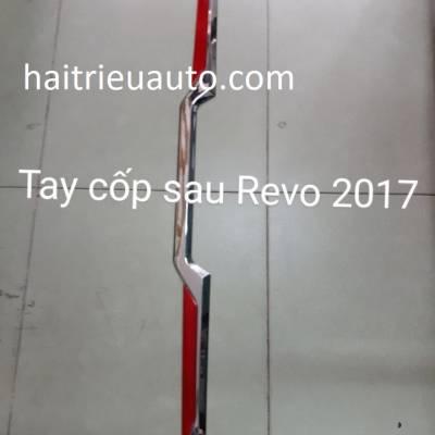 ốp tay mở cốp xe Revo 2018