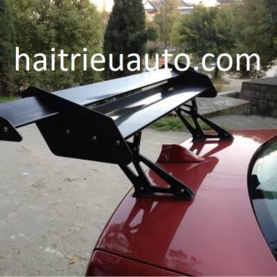 đuôi gió thể thao dùng chung cho xe oto