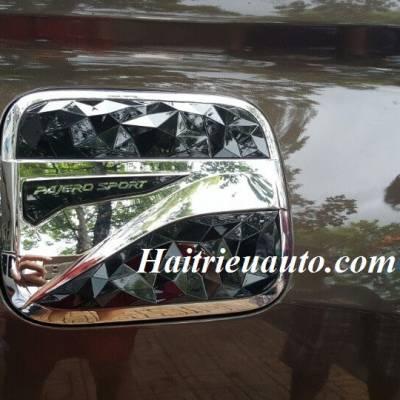 Nắp xăng Mitsubishi Pajero Sport