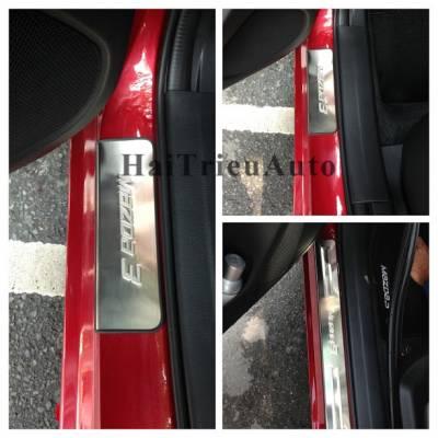 Nẹp bước chân ko đèn Mazda 3