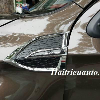 Ốp trang trí mang cá Mitsubishi Pajero Sport