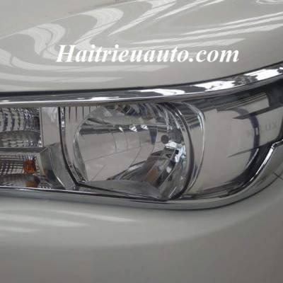 Viền đèn trước Toyota Hilux 2017
