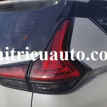 Viền đèn hậu màu đen Mitsubishi Xpander