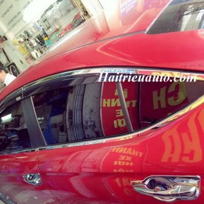 Viền khung kính Hyundai Elantra