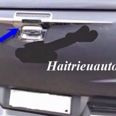Trang trí tay mở cốp Mitsubishi Triton