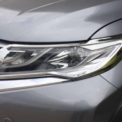 viền đèn trước cho xe Mitsubishi Pajero Sport 2017